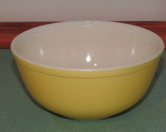 Pyrex Vintage Nesting Bowl - 403 - Yellow - 1963 - Town and Country Pattern - Yellow Pyrex - Pyrex Nesting Bowl - Pyrex Spring Colors