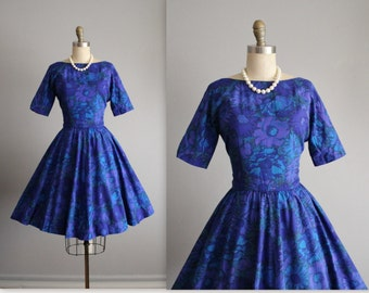 60's Floral Dress // Vintage 1960's Blue Floral Print Full Skirt Mad Men Dress XS