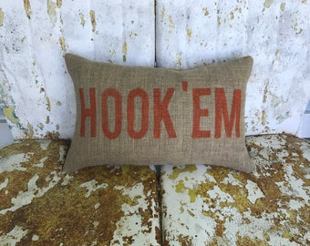 University of Texas UT HOOK 'EM Horns Pillow Collegiate Decor Burlap Decorative Throw Pillow Custom Color Available Gift Home Decor
