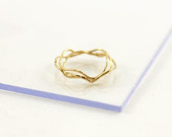Gold plated simple but stunning ring, wave shaped hammered thread, handmade in France