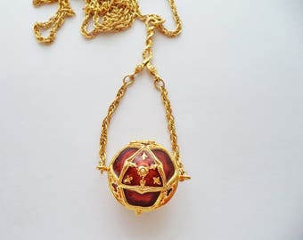 Signed EDGAR BEREBI Red Brown Enamel Locket Box Pendant Chain Necklace Gold Tone Tiny Faux Pearls