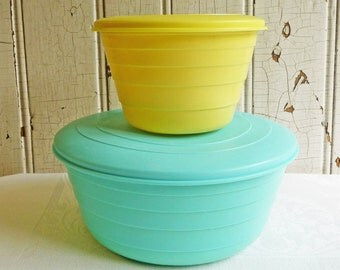 Vintage Stanley Flex Bowls - Large Turquoise and Small Yellow Bowls with Lids - Stanley Products - Mid-Century 1950s