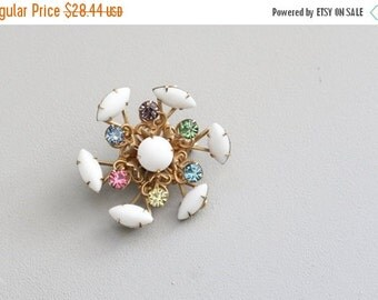 20% SALE pastel rainbow rhinestone brooch - ladies 50s circle pin / white milk glass brooch - 50s costume jewelry / vintage bride