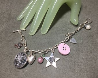 "Vintage 7"" Long Silvertone Chain Multi Charm Style Bracelet"