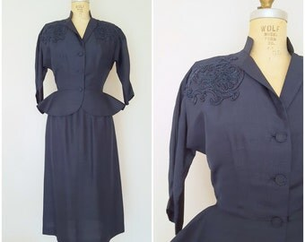 Vintage 1940s Peplum Suit / Navy Blue Skirt Suit / Beaded Suit / Small
