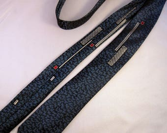 Skinny Tie | 1960s Mens Tie | 1950s Mens Tie | Mad Men Skinny Tie | Vintage Skinny Tie | Vintage Necktie | Mad Men Party | 1960s Necktie