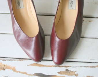 Vintage ETIENNE AIGNER  Leather Heels..size 6.5 womens.high heels. retro. brown red heels. designer. shoes. aigner. mod. classic. librarian.