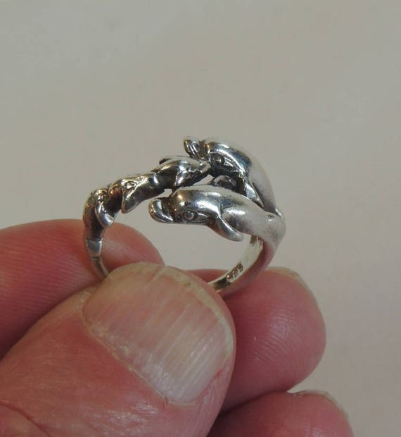 Vintage Sterling Silver 925 Ring.. Figural 5 Dolphins.. Size 6.5  (#40)