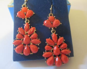 Avon Coral Cluster Earrings Wire Teardrop Great Color Box