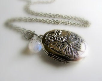 Silver Locket Butterfly Locket Silver Photo Locket Picture Locket Keepsake Locket Small Locket Valentine's Gift For her Mother's Day Gift
