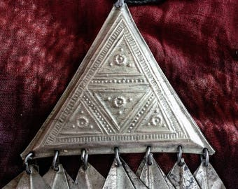 Tuareg Triangle Doublesided Amulet with Chat Chats Incl. Leather (5) Cords Necklace, South Algeria