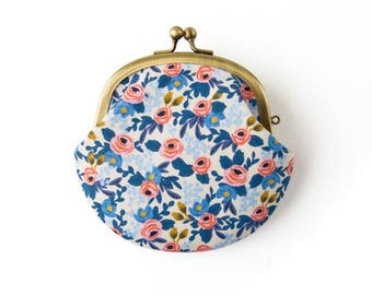 Metal frame coin purse // Blue Roses