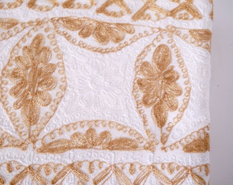 Lebanese tablecloth gold and white embroidered with 18 matching napkins