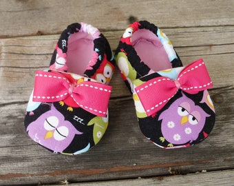 Owl Crib Shoes / Baby Girl