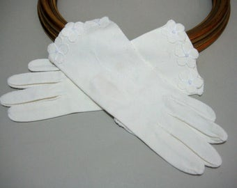 Ladies Gloves, Ivory White Gloves, Women's Gloves, Mid Century Gloves, Retro, 1950's Ladies Gloves