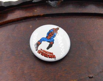 Vintage Tin Pin The Amazing Spiderman Pinback 1978 DR27