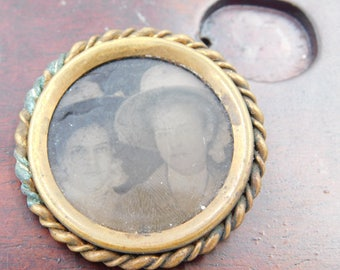 Antique Tintype Phot of Two Victorian Era Women Maybe Sisters in a Brooch Pin dr24