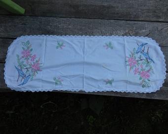 Vintage 1950s to 1960s Dresser/Bureau Scarf/Long Doily Pink/Blue Birds Flowers Crocheted Lace Edges Retro