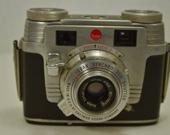 1950's Vintage Kodak Signet 35 Camera - Check out all of our vintage cameras