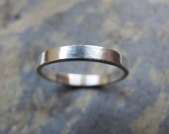 Women's simple silver wedding ring