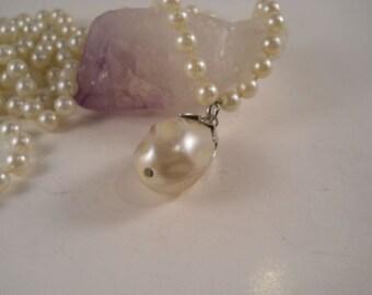 Pearl Necklace Drop Vintage Photo Prop