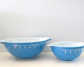 Vintage Set of 2 Pyrex Blue  Cinderella Mixing Bowls Snowflake Garland Pattern
