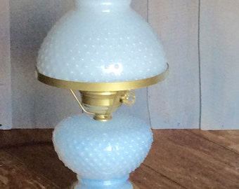 Vintage Hobnail Milk Glass Colonial Lamp / Milk Glass Shade Lamp / Lamp with Night Light Base