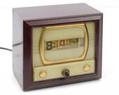 flip clock,mid century, television, 1950s, Tymeter Numechron, mahogany bakelite-type housing,retro,vintage office,