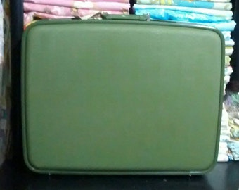 Vintage Green Wheary Overnite Hard Case Suitcase Luggage with Key