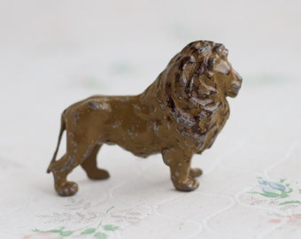 Lead Lion - Iron Cast Toy Zoo Animal - Britains - Made in England