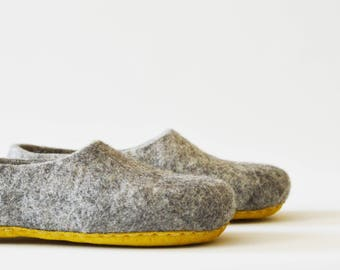 Eco friendly light grey color wool slippers / house shoes