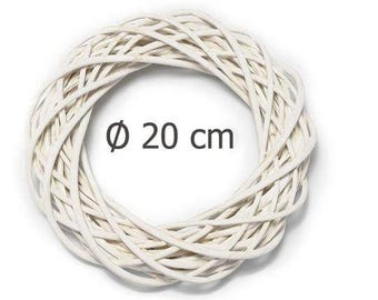 Natural Wicker Round White Wreath 8""