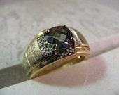 Vintage Mystic Topaz Mens Ring in Two Tone Gilt Sterling.....  Lot 5146