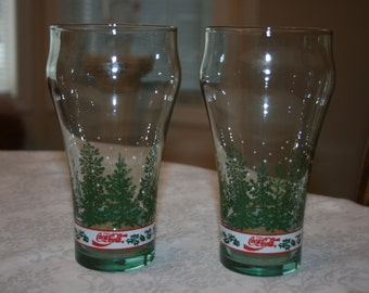 Two Vintage Coca Cola Evergreen Tree Snow Winter Glasses Glassware Tumblers