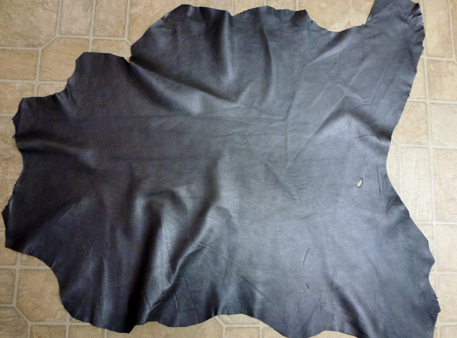 "Leather 7.25 sq ft 32""x27"" GRAPHITE / Charcoal Metallic Hide"