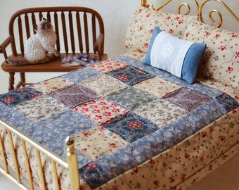 """Miniature Quilt  with 2 Matching Bed Pillows & Decorator Pillow, """"Prairie Wind"""" - 1:12 Scale"""