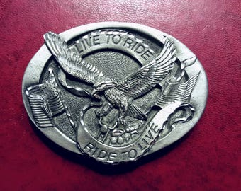 Motorcycle Buckle Live to Ride with eagle with American flags vintage never worn pure pewter diamond cut, no lead hand cast