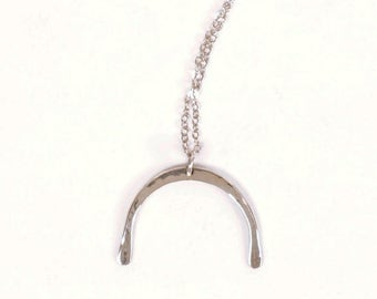 Forged sterling silver arc pendant necklace | VALENTINA
