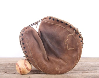 Old Vintage Leather Baseball Glove / Catchers Mitt Bill Dickey Baseball Glove / Antique Baseball Glove / Old Glove Antique Mitt Decor