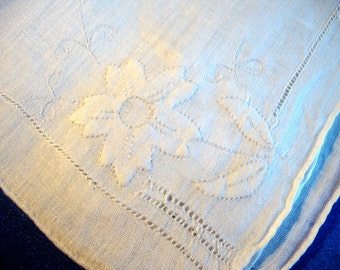 Gorgeous wedding white hand embroidered hankie hanky handkerchief flowers applique and pulled thread work