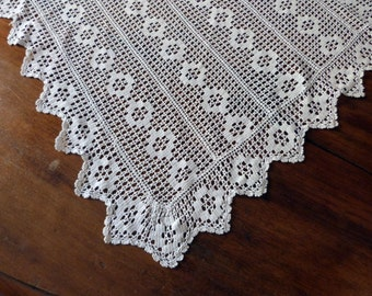 Antique French hand crocheted tablecloth handworked crochet white table cloth vintage diningtable table linens, arts and craft table decor