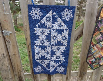 Navy and Cream Snowflakes Runner, Navy Quilt, 0324-03