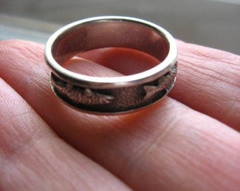 Sterling Artisan Vintage Fish Ring Band Size 9