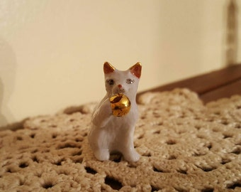 Gold accents white vintage porcelain cat miniature figurine collectable antique
