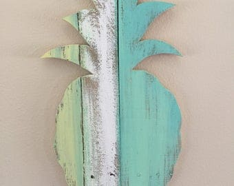Pineapple Wall Hanging-medium sized upcycled pallet wood art