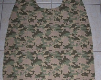 Extra Large Adult Clothes Saver/ Bib/ Smock, Digital Camouflage