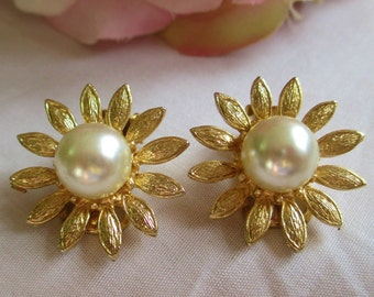 Vintage Earrings Gold Flower with Pearls Earrings Gorgeous! Vintage Jewelry By Vintagelady7