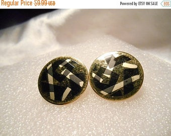 50% OFF SALE Avon Chroma Graphics Retro Round Clip Earrings in Gold and Black