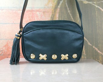 Forest Green Leather Purse • Vintage 80s Crossbody Bag • Gold Tone Hardware • Green Tassel • XOXO • 80s Purse • First Edition Purse