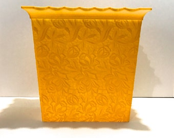 Vintage Bright Yellow Canary Lemon Sunshine Max Klein Retro Plastic Waste Basket Trash Can for Bedroom Bathroom Bright Yellow Fluted Edge